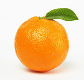 Orange med blad — Stockfoto