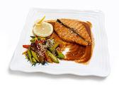 Fritto di pesce su un piatto — Foto Stock