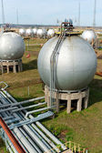 Gas and oil industry. Finished goods tanks. — Stock Photo