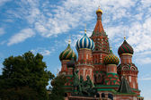 Domes of the famous Head of St. Basil's Cathedral on Red square, — Foto de Stock