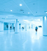 Hallway in airport, moving — Stock Photo