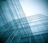 现代绿色玻璃摩天大楼全景视图 — 图库照片