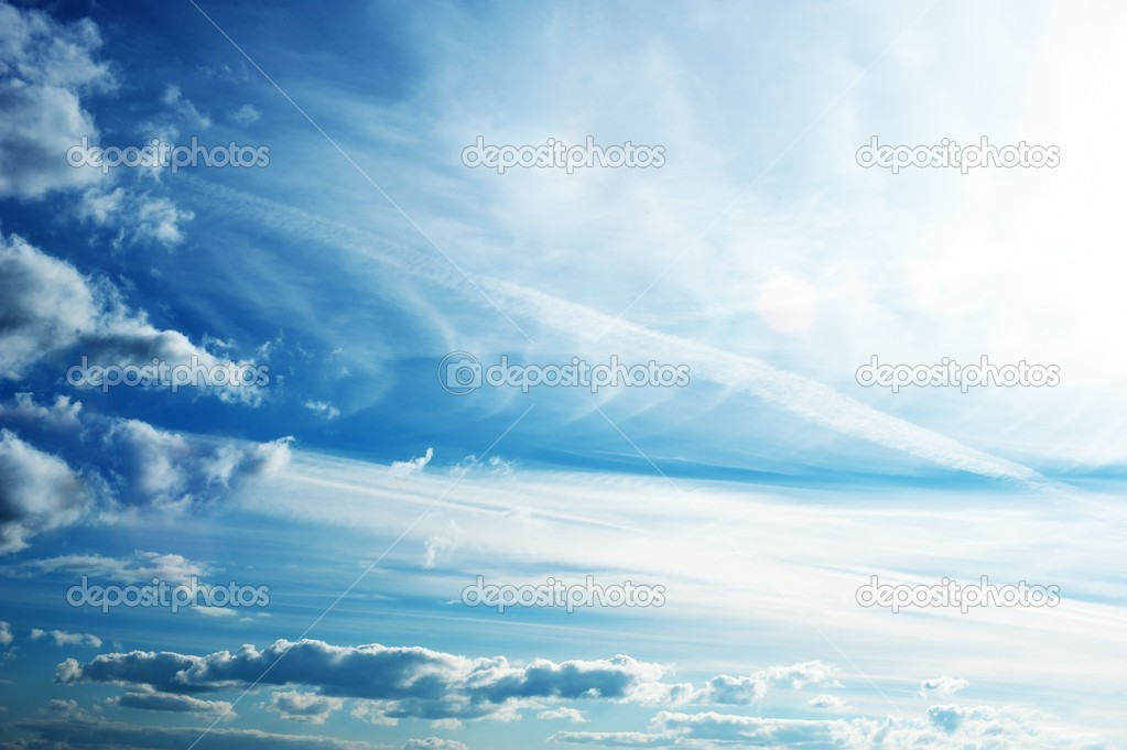 Blue sky with fluffy clouds — Stock Photo #5893635