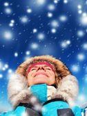 Día de invierno disfrutar de hermosa mujer — Foto de Stock