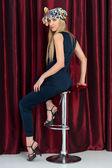 Moda portre studio güzel sarışın — Stok fotoğraf