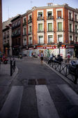 Girl walking in Madrid — Stock Photo