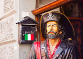 Statue of a pirate — Stock Photo