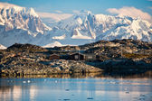 Una casa en la antártida — Foto de Stock