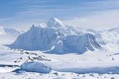 Karlı zirveleri — Stok fotoğraf