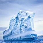 Huge iceberg — Stock Photo