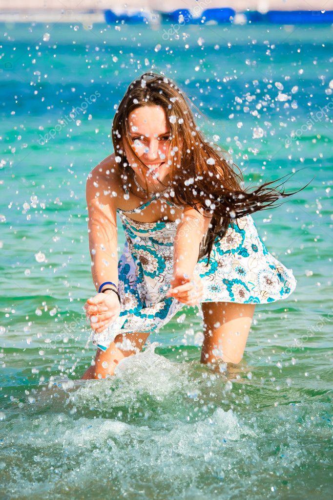 картинки девушки красивые на море
