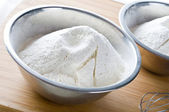 White flour in bowl — Stock Photo