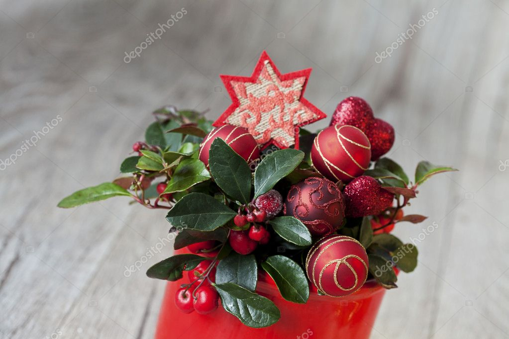 Red berries and christmas decoration — Stock Photo #6733179