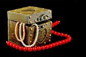 Casket with jewelry — Photo
