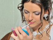 The bride making up — Stockfoto