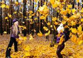 Children in autumn forest — Stock Photo