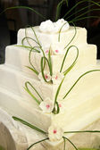 Four-tiered wedding cake or birthday cake — Stock Photo
