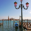 Street lamppost and Grand Canal in Venice. — Stockfoto