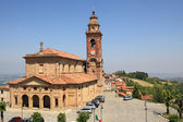 View on church in Diano D'Alba, Italy. — Stock Photo