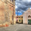 Old house and small church in Castiglione Falletto, Italy. — Stock Photo