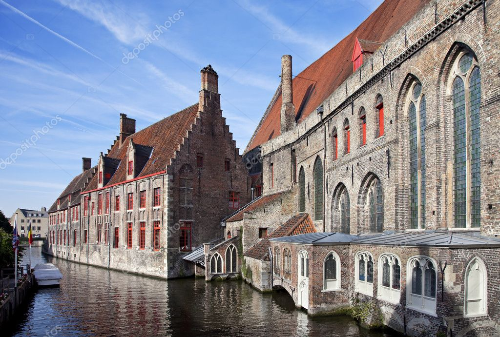 Exterior of Hospital Museum Sint-Jan in Brugge, Belgium — Stock Photo #5751611