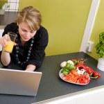 ������, ������: Online Lunch