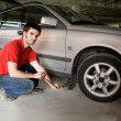 tire change — Stock Photo