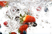 Fresh Fruit in Water — Stock Photo