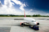 Airplane on Tarmac — Stock Photo