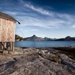 dom łódź wybrzeża Norwegii — Zdjęcie stockowe