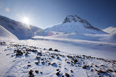 Mountain landscape on the island of Spitsbergen, Svalbard, Norway — Stock Photo