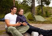 Couple en plein air — Photo