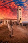 Stare ruiny kościoła — Zdjęcie stockowe
