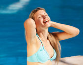 Woman Pool Relax — Stock Photo
