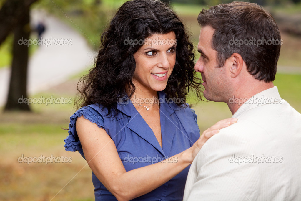 A woman looking at her husband with suspense — Stock Photo #5703584