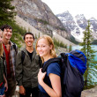 Camping Friends in Mountains — Stockfoto