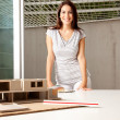 architect met model huis — Stockfoto