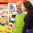 WomBuying Groceries — Stockfoto #5714174