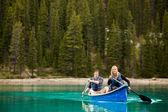 Couple Portrait in Canoe — Stock Photo