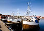 Barcos de pesca en el muelle — Foto de Stock
