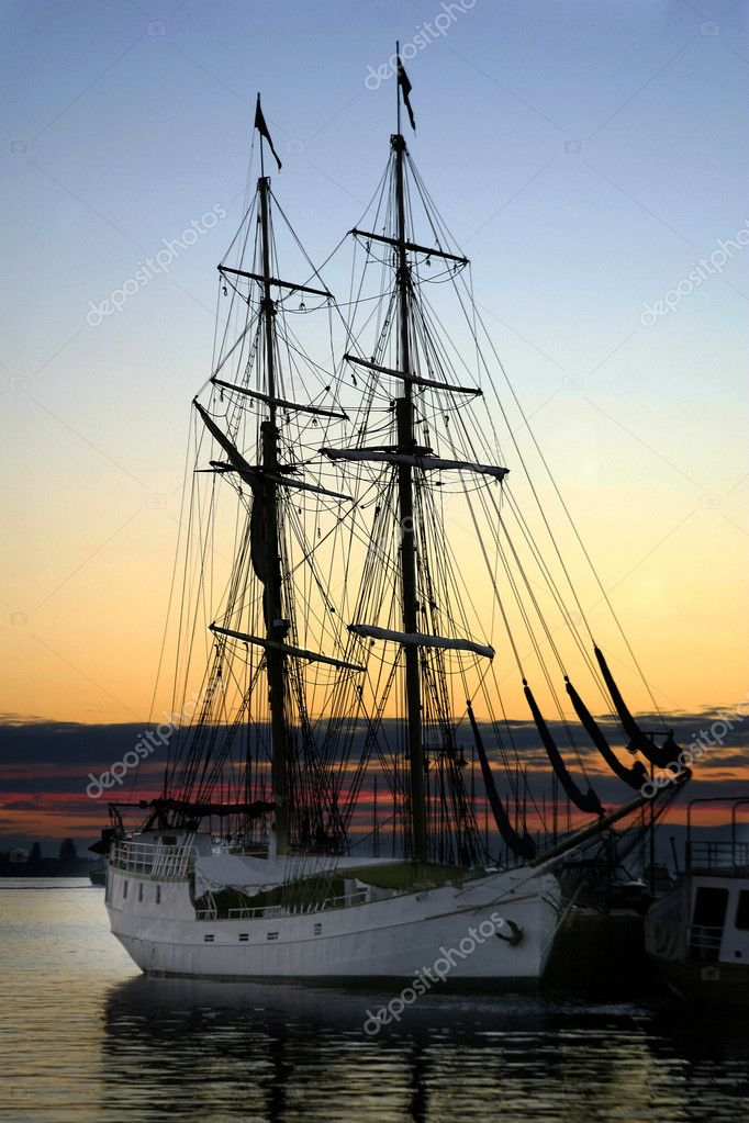 Tall ship at sundown in the Oslo Fjord, Norway — Stock Photo #5722191