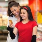 Friends in Supermarket — Stock Photo
