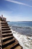 Taş merdiven okyanus — Stok fotoğraf