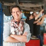Happy Customer in Auto RepairShop — Stock Photo