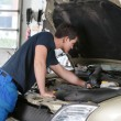 Auto mechanic working — Stock Photo