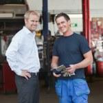 Business Customer Standing With Mechanic — Stock Photo