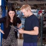 Happy Customer at Mechanic Shop — Stock Photo