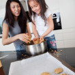 Mother and Daughter Baking Cookies — Stock Photo