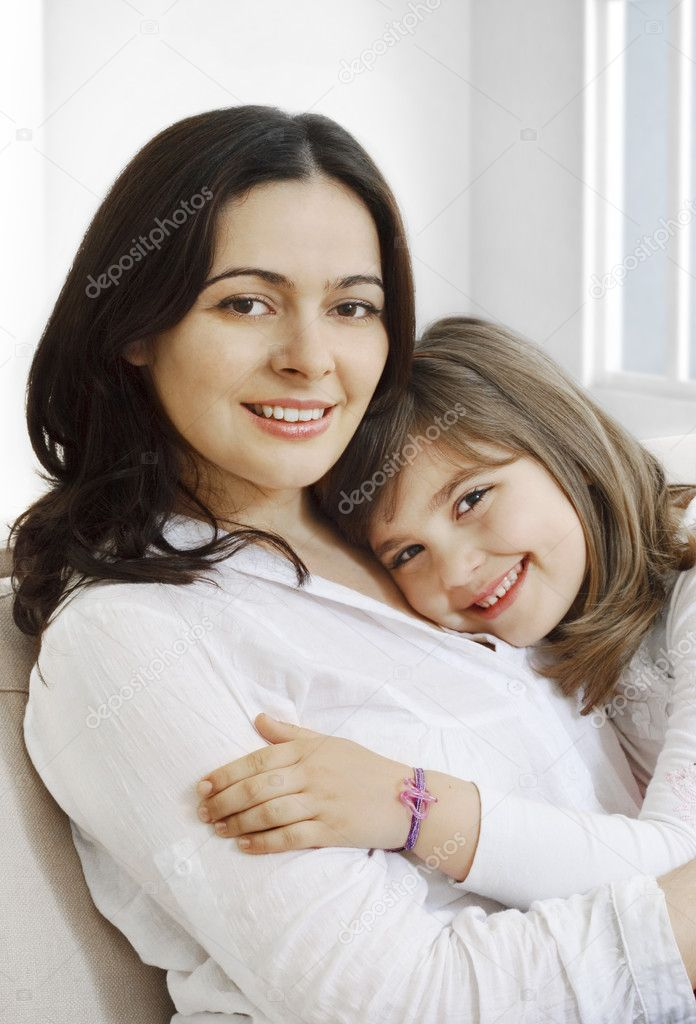 Portrait of happy mother and her smililing daugther — Stock Photo #5515787