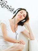 Chica con auriculares — Foto de Stock